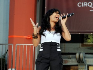 Melanie Fiona sings live performance Pays Tribute to King of Pop